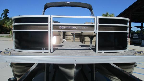 2021 Bennington boat for sale, model of the boat is 22 SF & Image # 7 of 50