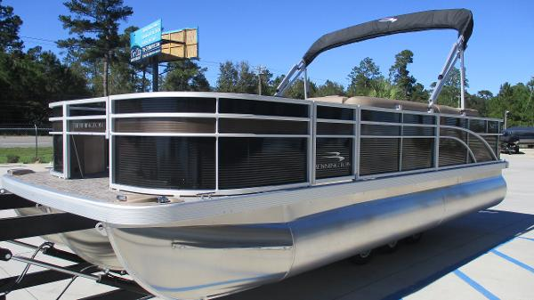 2021 Bennington boat for sale, model of the boat is 22 SF & Image # 2 of 50