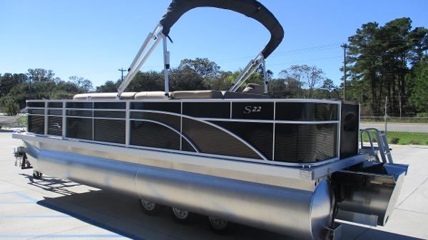 2021 Bennington boat for sale, model of the boat is 22 SF & Image # 6 of 50