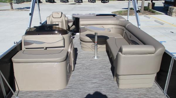 2021 Bennington boat for sale, model of the boat is 22 SF & Image # 10 of 50