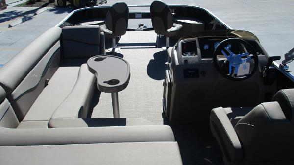 2021 Bennington boat for sale, model of the boat is 22 SF & Image # 44 of 50