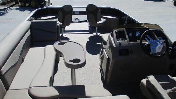 2021 Bennington boat for sale, model of the boat is 22 SF & Image # 45 of 50