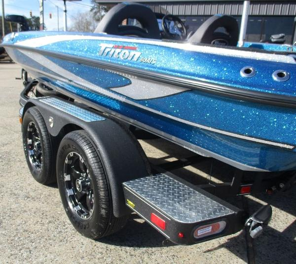 2021 Triton boat for sale, model of the boat is 189 TRX & Image # 2 of 10