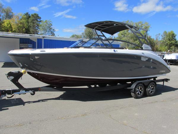 2021 Yamaha boat for sale, model of the boat is 252S & Image # 1 of 41