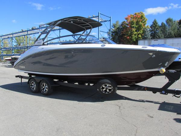 2021 Yamaha boat for sale, model of the boat is 252S & Image # 2 of 41