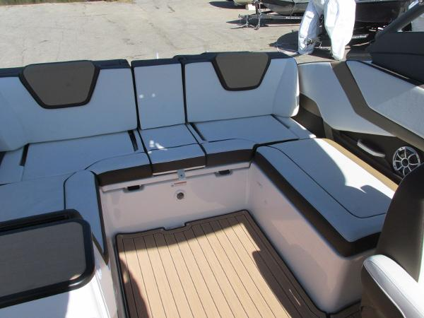 2021 Yamaha boat for sale, model of the boat is 252S & Image # 7 of 41