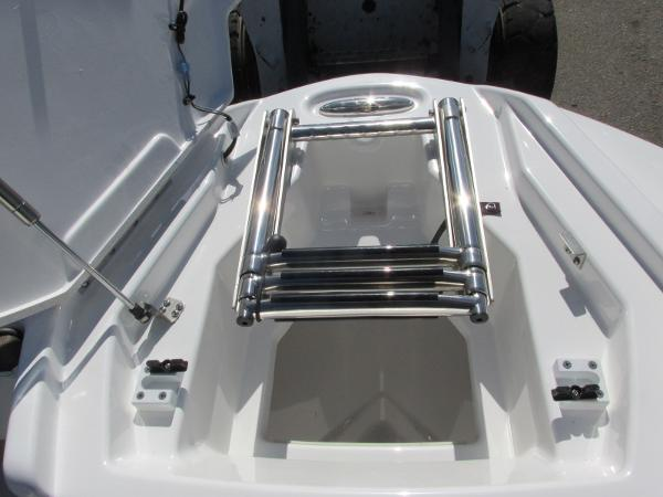 2021 Yamaha boat for sale, model of the boat is 252S & Image # 19 of 41