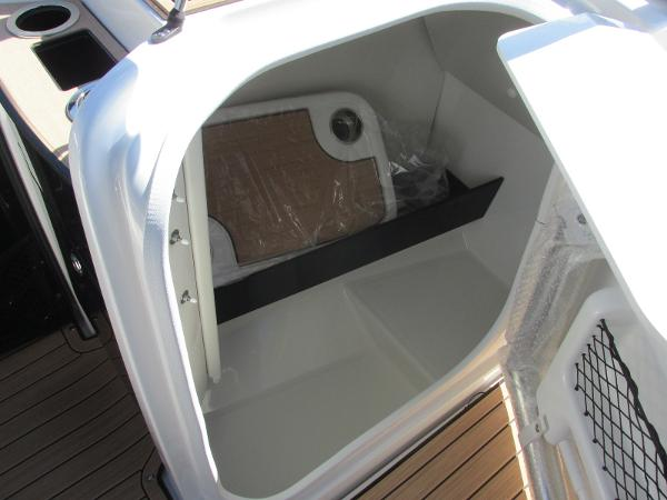 2021 Yamaha boat for sale, model of the boat is 252S & Image # 24 of 41