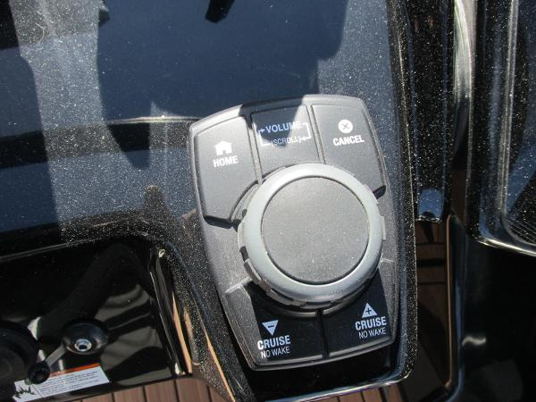 2021 Yamaha boat for sale, model of the boat is 252S & Image # 30 of 41