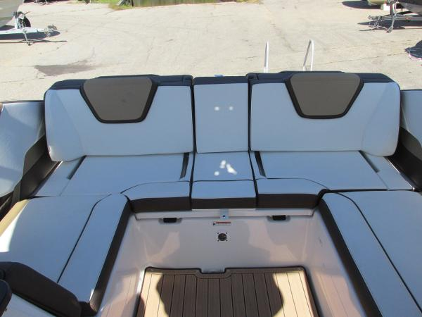 2021 Yamaha boat for sale, model of the boat is 252S & Image # 32 of 41