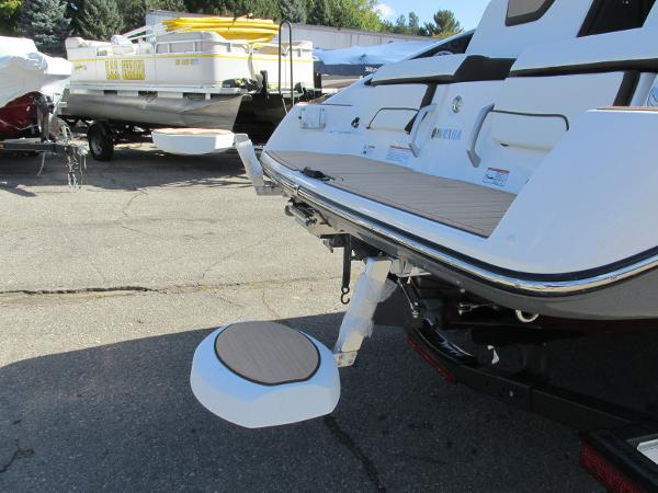 2021 Yamaha boat for sale, model of the boat is 252S & Image # 35 of 41