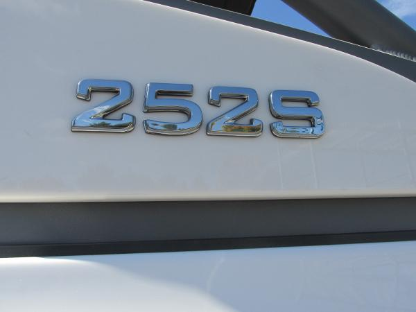 2021 Yamaha boat for sale, model of the boat is 252S & Image # 40 of 41