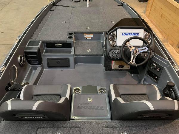 2021 Triton boat for sale, model of the boat is 20 TRX Patriot & Image # 8 of 17