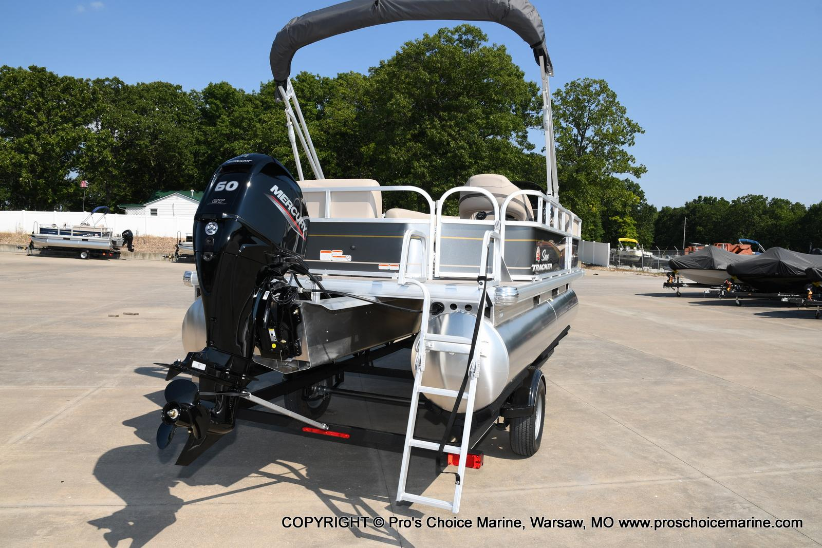 2021 Sun Tracker boat for sale, model of the boat is Party Barge 18 DLX & Image # 13 of 50