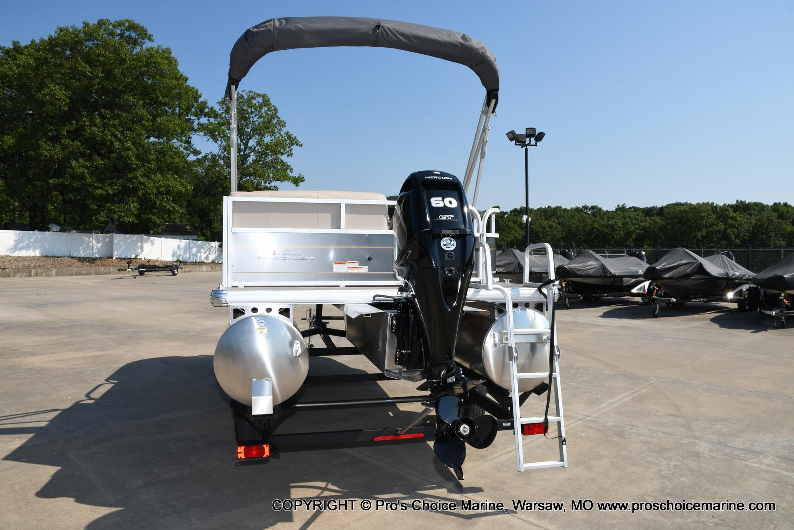 2021 Sun Tracker boat for sale, model of the boat is Party Barge 18 DLX & Image # 21 of 50