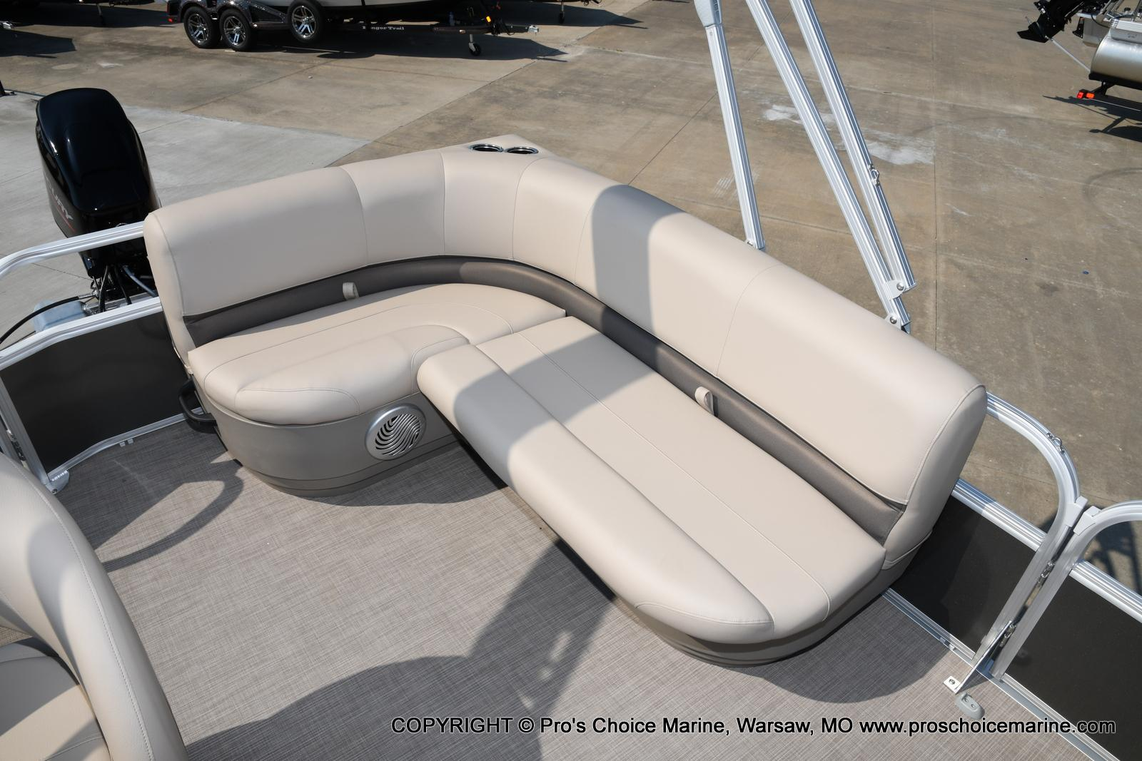 2021 Sun Tracker boat for sale, model of the boat is Party Barge 18 DLX & Image # 31 of 50