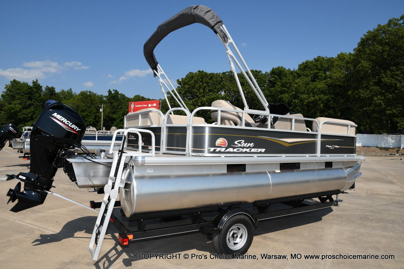 2021 Sun Tracker boat for sale, model of the boat is Party Barge 18 DLX & Image # 43 of 50