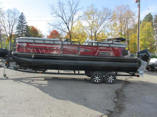 2021 Ranger Boats boat for sale, model of the boat is 2300LS & Image # 1 of 39