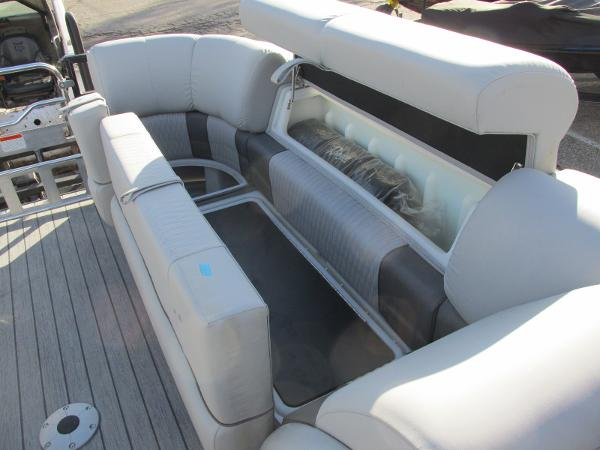 2021 Ranger Boats boat for sale, model of the boat is 2300LS & Image # 17 of 39