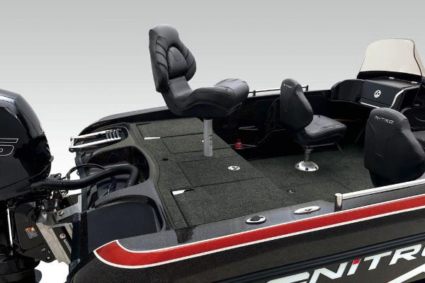 2020 Nitro boat for sale, model of the boat is ZV19 Sport & Image # 25 of 38