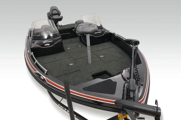 2020 Nitro boat for sale, model of the boat is ZV19 Sport & Image # 6 of 39