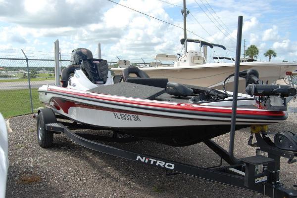2019 Nitro boat for sale, model of the boat is Z18 & Image # 6 of 12