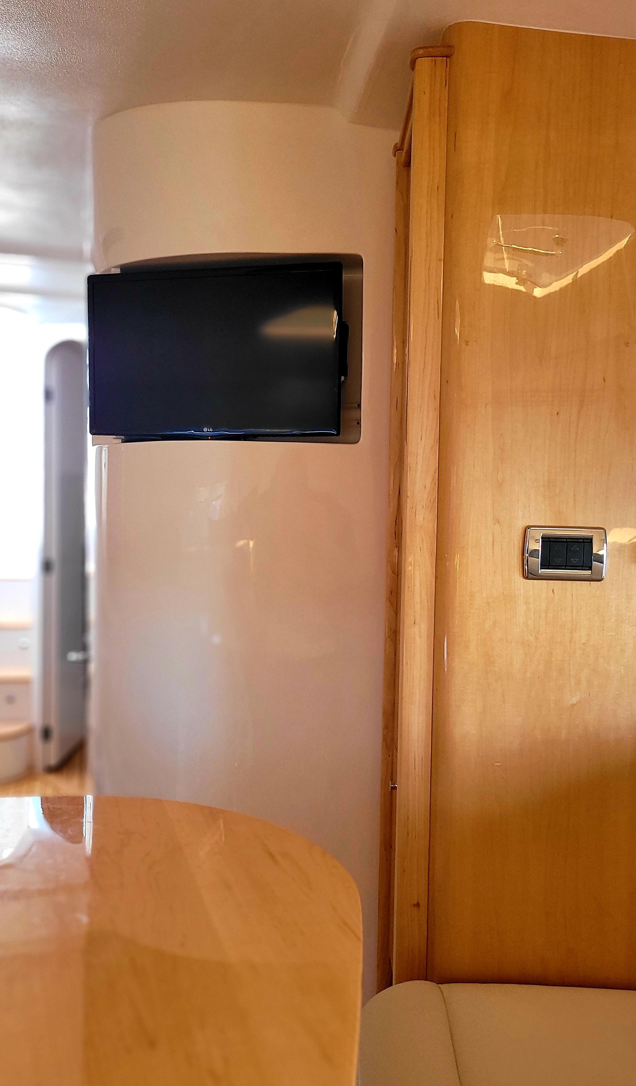 2019 Intrepid 475 Sport Yacht