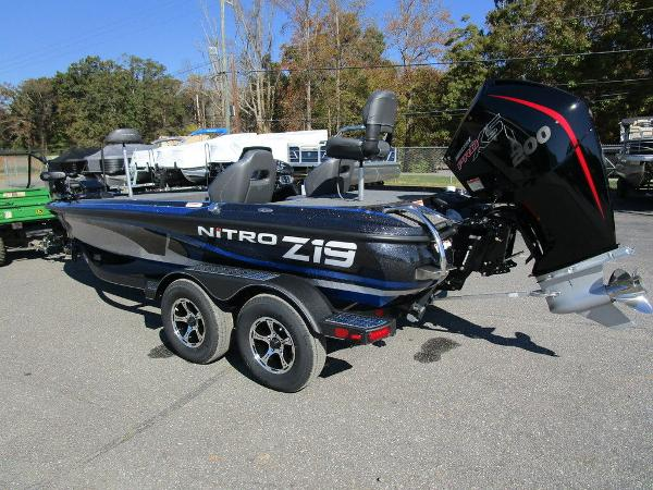 2021 Nitro boat for sale, model of the boat is Z19 Pro & Image # 11 of 28