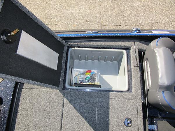 2021 Nitro boat for sale, model of the boat is Z19 Pro & Image # 26 of 28