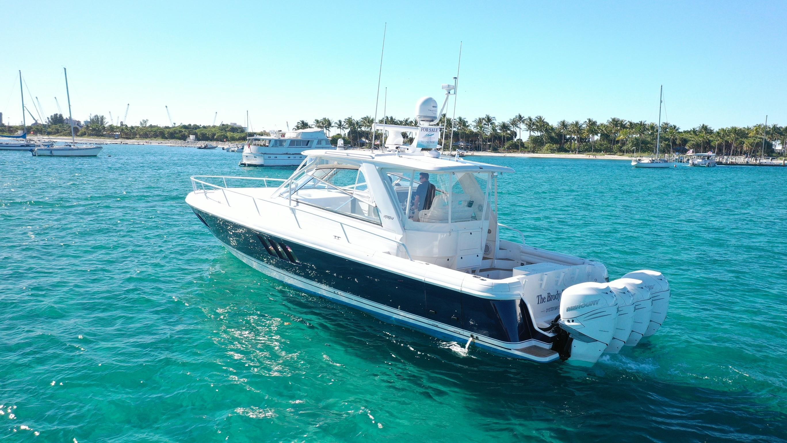 2010 Intrepid 475 Sport Yacht