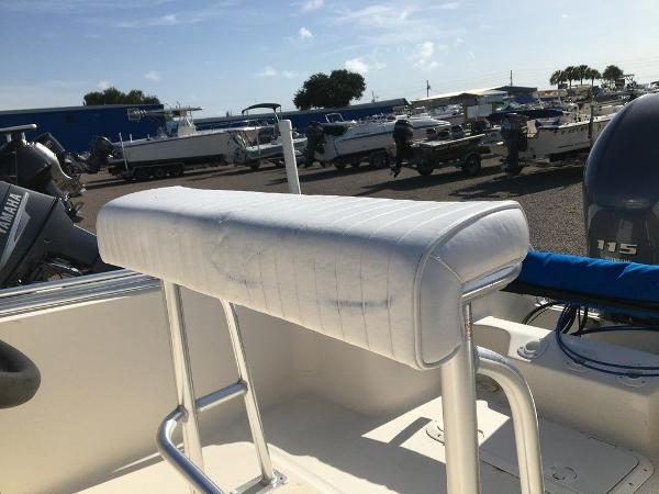 1998 Legacy boat for sale, model of the boat is 19 CC & Image # 3 of 8
