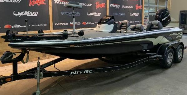 2009 Nitro boat for sale, model of the boat is Z8 & Image # 9 of 11