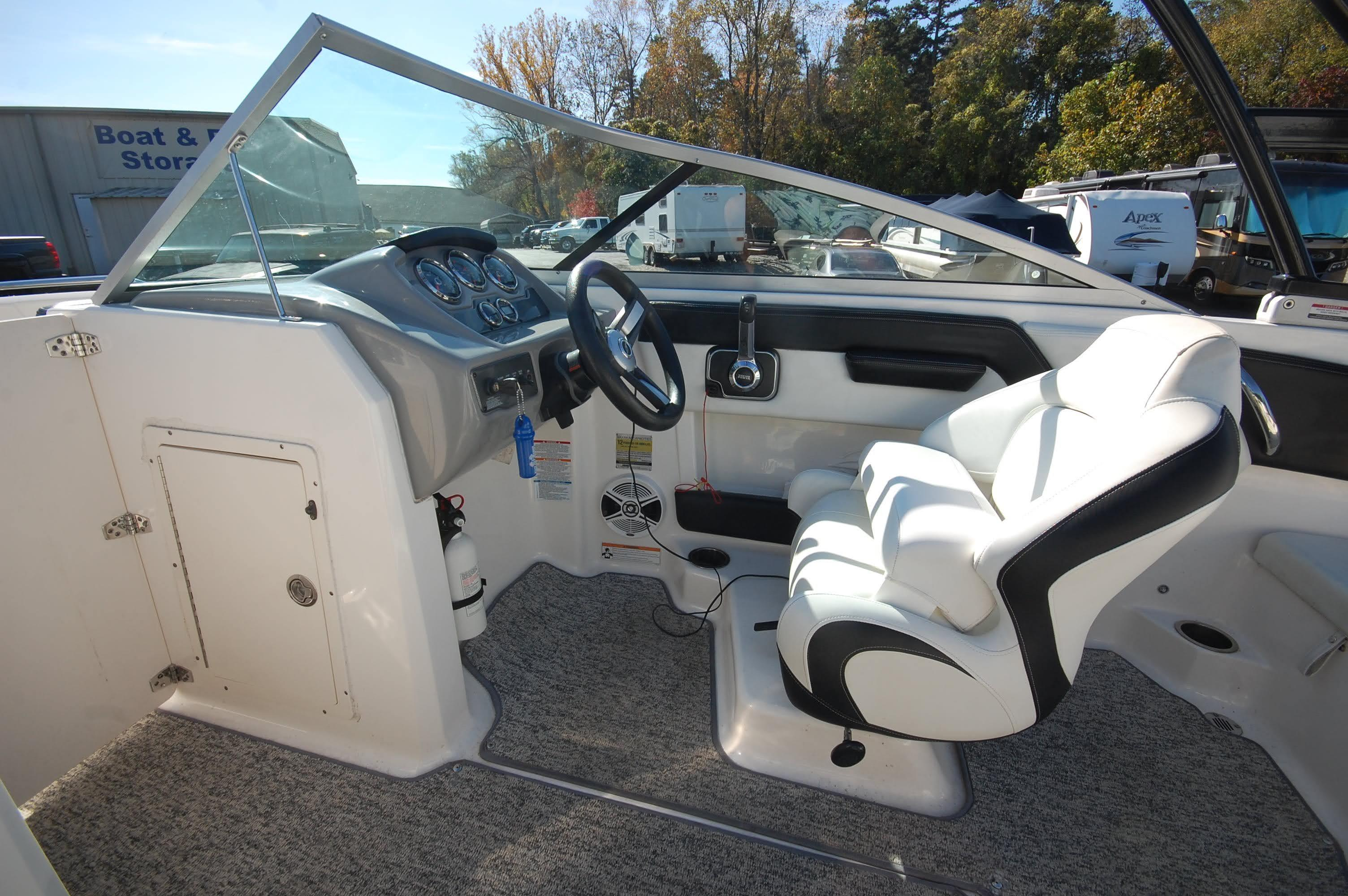 NC 5807 EE Knot 10 Yacht Sales