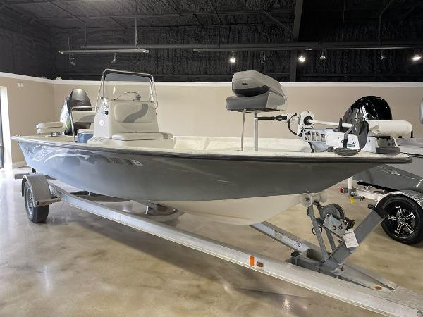 2010 Blue Wave boat for sale, model of the boat is 200 VBAY & Image # 1 of 11