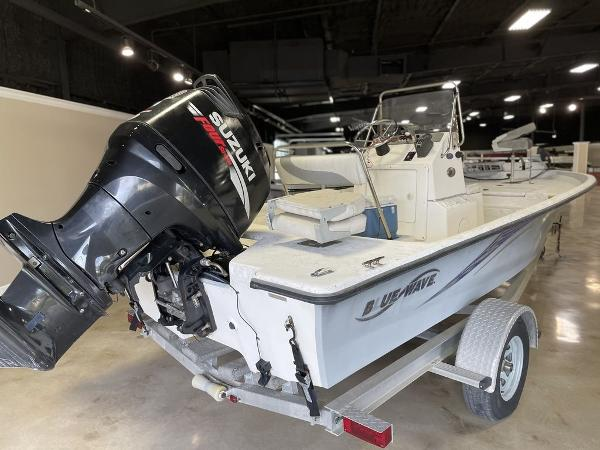 2010 Blue Wave boat for sale, model of the boat is 200 VBAY & Image # 6 of 11