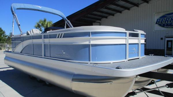 2021 Bennington boat for sale, model of the boat is 22 SSRX & Image # 1 of 54