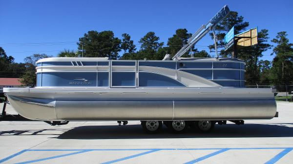 2021 Bennington boat for sale, model of the boat is 22 SSRX & Image # 4 of 54