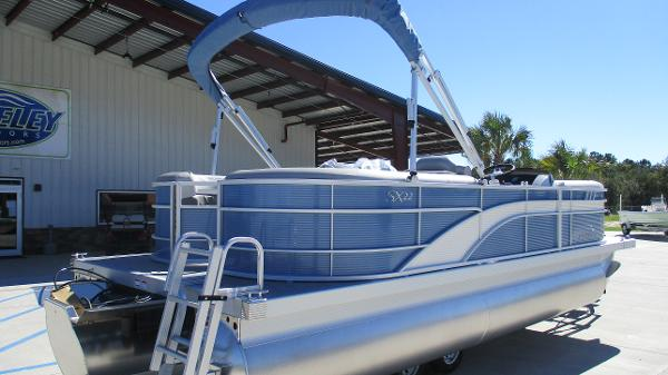 2021 Bennington boat for sale, model of the boat is 22 SSRX & Image # 5 of 54