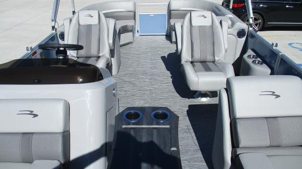 2021 Bennington boat for sale, model of the boat is 22 SSRX & Image # 10 of 54