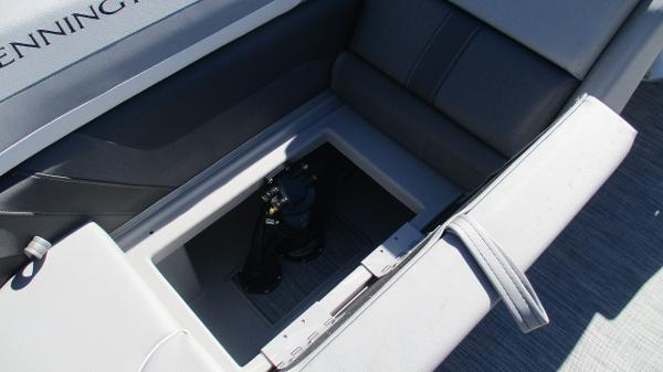2021 Bennington boat for sale, model of the boat is 22 SSRX & Image # 18 of 54