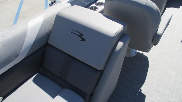 2021 Bennington boat for sale, model of the boat is 22 SSRX & Image # 19 of 54