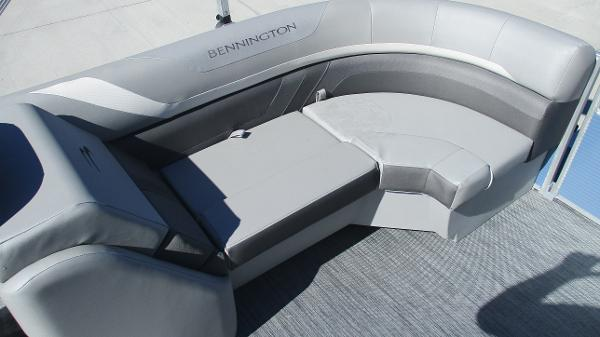 2021 Bennington boat for sale, model of the boat is 22 SSRX & Image # 21 of 54