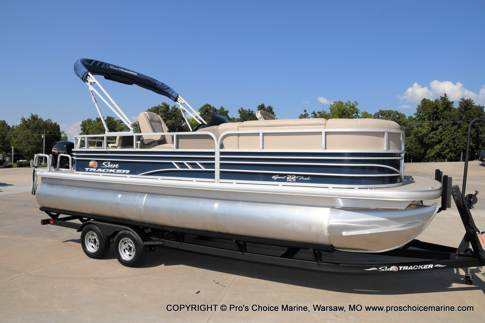 2021 Sun Tracker boat for sale, model of the boat is SPORTFISH 22 DLX w/115 Pro-XS & Image # 49 of 50