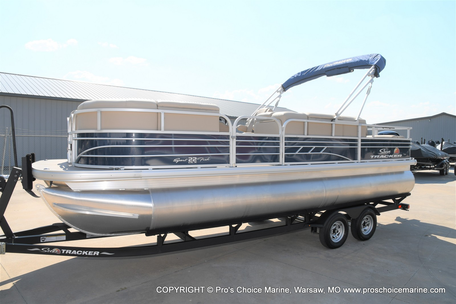 2021 Sun Tracker boat for sale, model of the boat is SPORTFISH 22 DLX w/115 Pro-XS & Image # 28 of 50