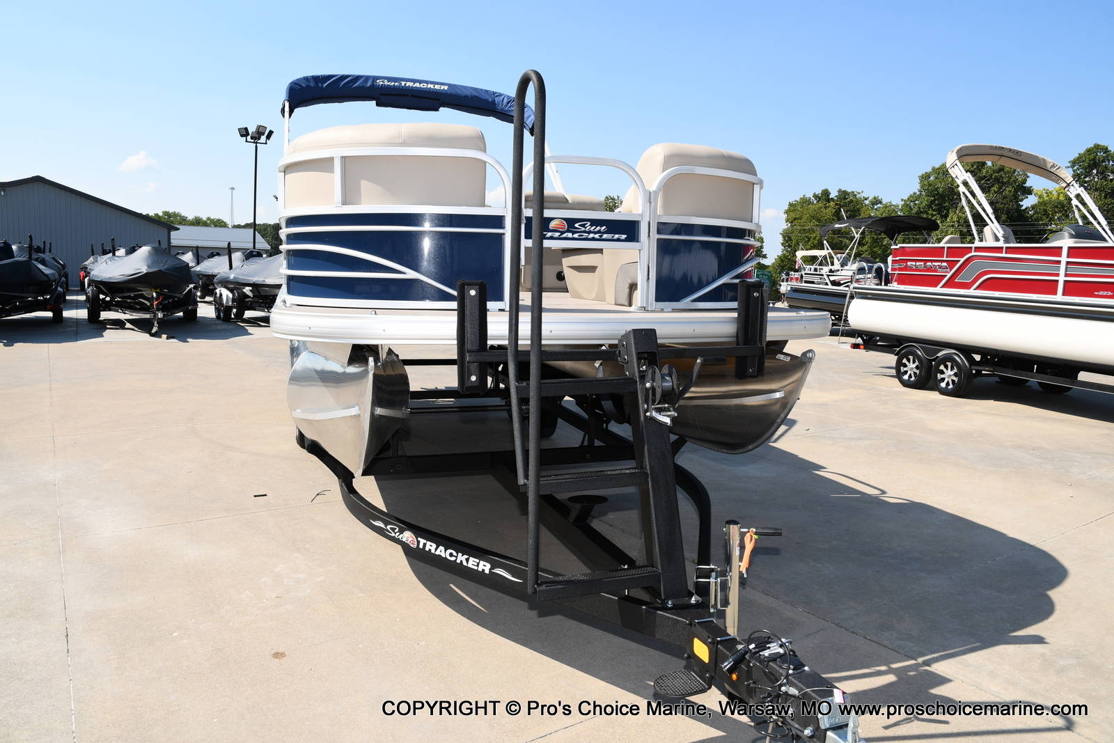 2021 Sun Tracker boat for sale, model of the boat is SPORTFISH 22 DLX w/115 Pro-XS & Image # 30 of 50