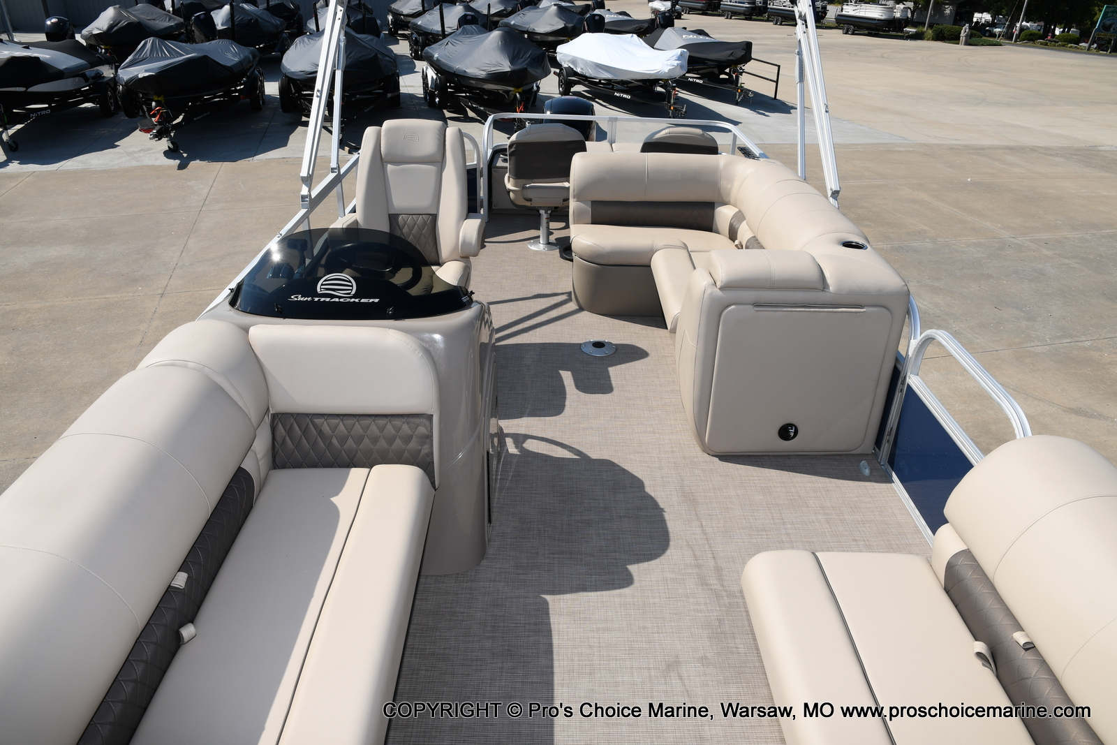 2021 Sun Tracker boat for sale, model of the boat is SPORTFISH 22 DLX w/115 Pro-XS & Image # 31 of 50