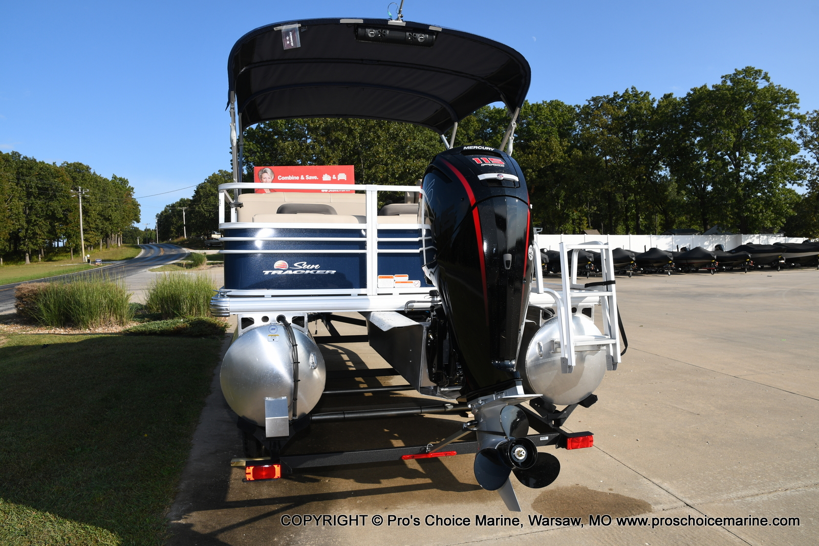 2021 Sun Tracker boat for sale, model of the boat is SPORTFISH 22 DLX w/115 Pro-XS & Image # 20 of 50