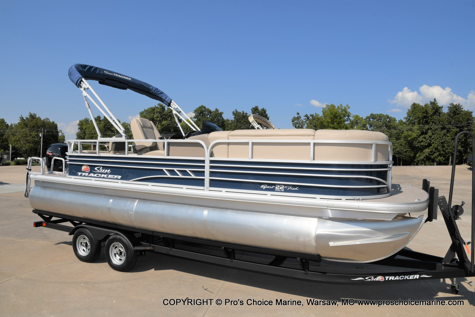 2021 Sun Tracker boat for sale, model of the boat is SPORTFISH 22 DLX w/115 Pro-XS & Image # 21 of 50