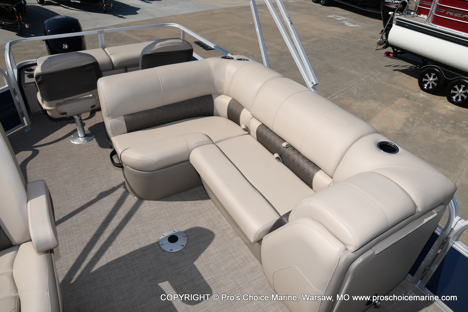 2021 Sun Tracker boat for sale, model of the boat is SPORTFISH 22 DLX w/115 Pro-XS & Image # 34 of 50