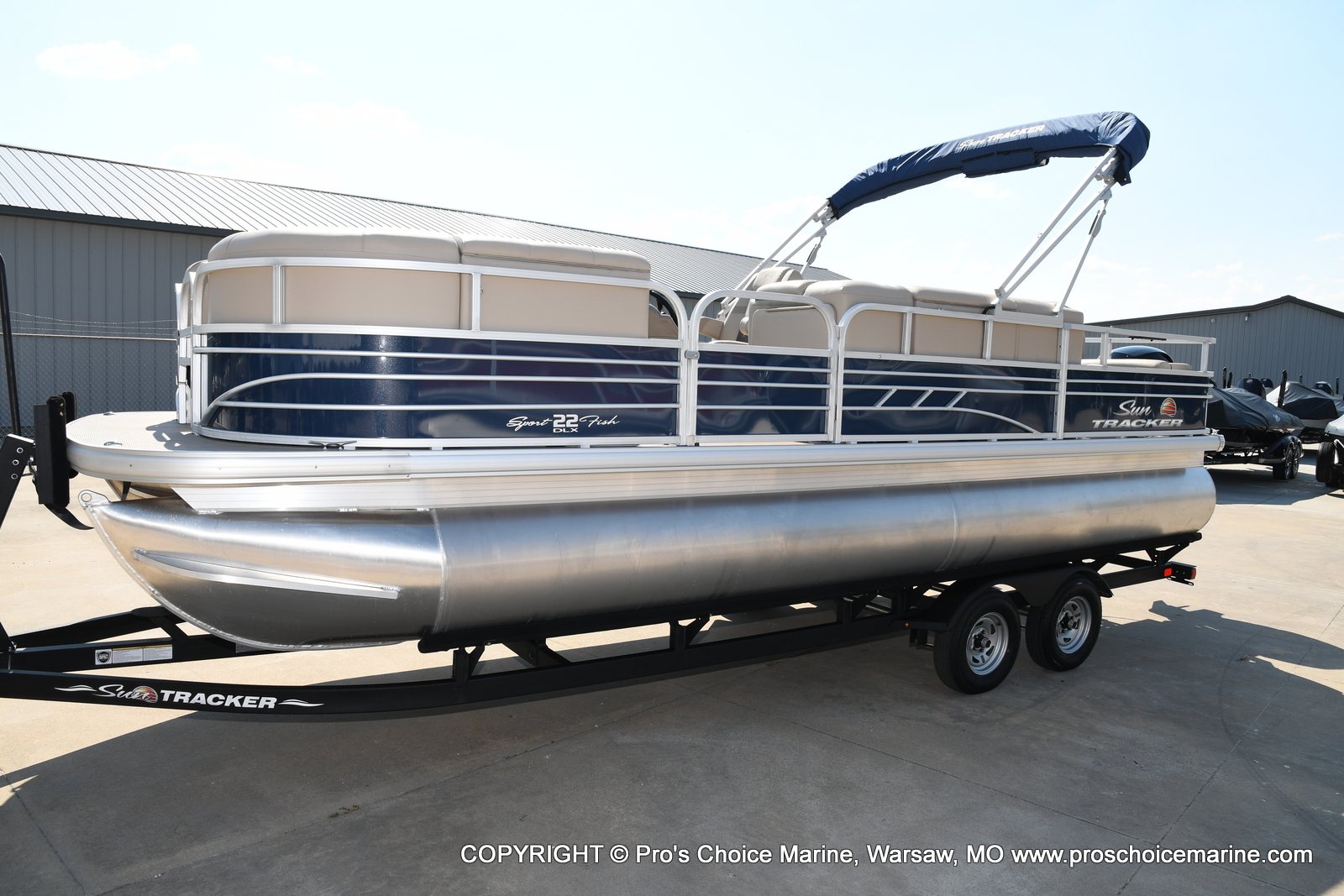 2021 Sun Tracker boat for sale, model of the boat is SPORTFISH 22 DLX w/115 Pro-XS & Image # 41 of 50